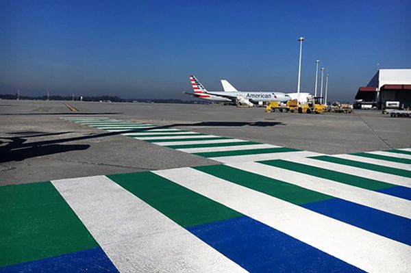 Skid resistant cold plastic PlastiRoute® RollPlast used in different colors in Airport