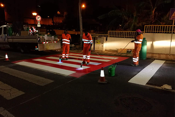 Application of pedestrian crossing