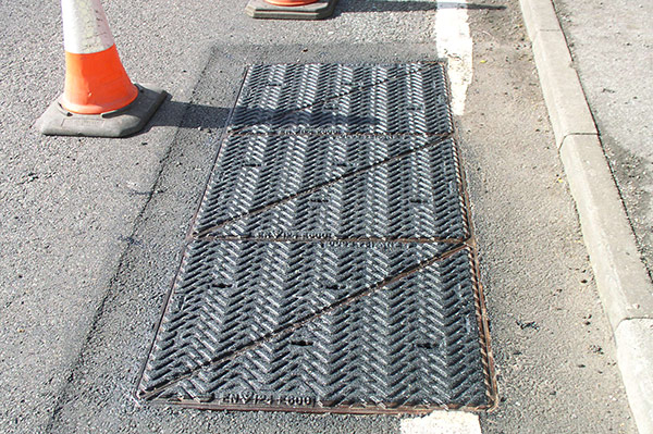 Manhole cover with PREMARK® Anti-Skid